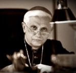 Cardeal Ratzinger: Nós não publicamos todo o Terceiro Segredo de Fátima. Parte inédita do Terceiro Segredo de Fátima fala sobre 'um mau Concílio e uma má missa' que estavam por vir.