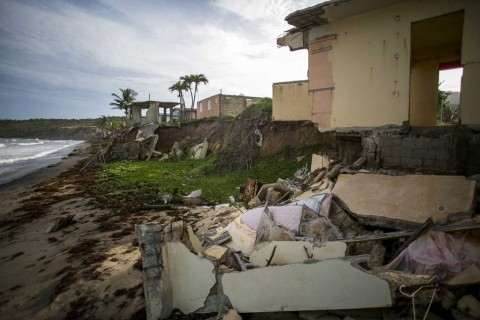 Uma casa danificada pelo furacão Maria, abandonada em Yabucoa, Porto Rico, em 17-09-2018.
