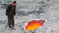 Grande sumidouro vomita fogo e calor extremo para fora do chão, fazendo com que as pessoas aterrorizadas se perguntem se um novo vulcão está se formando na China