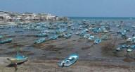 Mar recua no Equador e deixa habitantes alarmados