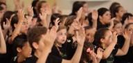 Dando Glórias ao Pai Eterno - VÍDEO: Coral infanto-juvenil cantando 'Aleluia' (Hallelujah)