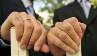 Primeiro casamento gay celebrado por um sacerdote católico