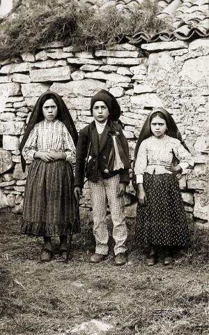 Lucia, Francisco e Jacinta.