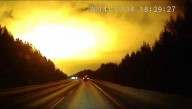 Flash de luz misterioso transforma noite em dia na Rússia