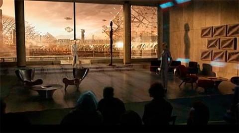 En la aparición holográfica de Peter Weyland diversos símbolos masónicos se presentan como parte del escenario, como los dos pilares, los escalones, la estatua de faraón y la arquitectura referente a la regla y el compaz.