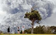 EUA elevam nível de erupção de vulcão no Havaí para alerta vermelho. Alerta vermelho significa que 'uma grande erupção vulcânica é iminente'.