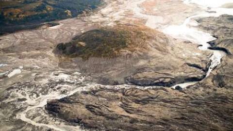 Kaskawulsh é uma das maiores geleiras do rio Yukón no Canadá.