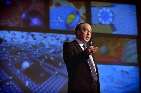 Ray Kurzweil em palestra na Universidade de Rhode Islands, nos EUA. (Foto: Mike Salerno/URI)