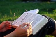 'QUANDO VIER O FILHO DO HOMEM, ACHARÁ PORVENTURA FÉ NA TERRA?'- Cada dia mais americanos creem que a Bíblia é um livro de fábulas