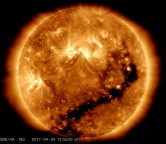 Rajadas de vento solar de mais de 750km/s atingem a Terra há mais de 50 horas