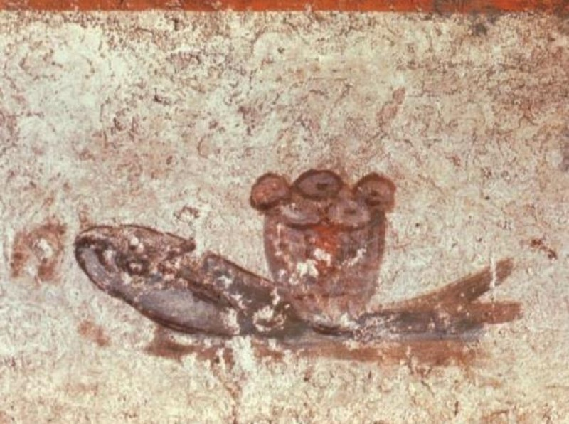 PÃES E PEIXE - Evocam o milagre da multiplicação dos pães e dos peixes, mas também simbolizam a Eucaristia.