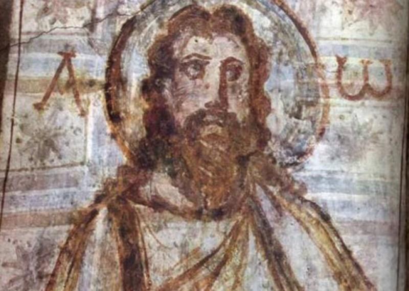 ALFA E ÔMEGA - São a primeira e a última letra do alfabeto grego e representam Cristo como o Princípio e o Fim de todas as coisas, conforme mencionado no livro do Apocalipse.