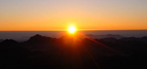 Pôr do sol do topo do Monte Sinai. Foto por Mattias sjödahl gentilmente cedida através do site http://www.sxc.hu/gallery/yodavision