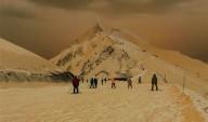 Neve alaranjada cobre países da Europa Oriental