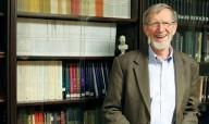 Filósofo cristão prova que Deus não está morto e recebe prêmio acadêmico