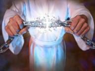 Só Jesus nos liberta do mal: Após 11 anos sendo possuída por demônio, mulher testemunha que Jesus a libertou