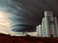 Impressionante tormenta em formato circular quase engole a cidade de Amarillo, Texas