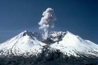 Erupção do vulcão Mount Saint Helens, Washington, 18-05-1980