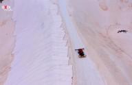 Neve torna-se rosa nos alpes italianos