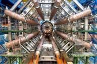 Os oito raios da máquina do CERN.