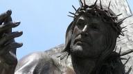 Estátuas de Jesus no alvo da destruição pelo Black Lives Matter