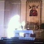 Câmeras de segurança captam imagens de uma Mulher Vestida de luz adorando o Santíssimo Sacramento na Igreja de Nossa Senhora do Perpétuo Socorro
